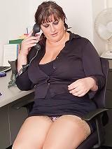 Fat ass cutie boned by boss
